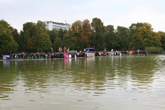 #12_2. linke Kundgebung am Eckensee