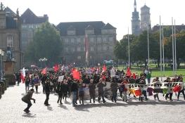 #5_Masse auf dem Weg zu Blockaden