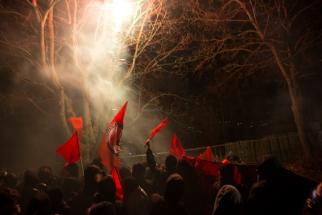 06_protest-an-der-fackelmahnwache2