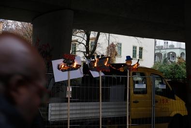 brennende-Schilder